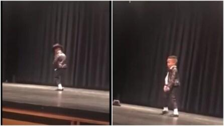 Il mini MIchael Jackson che fa impazzire tutti: che ballerino straordinario