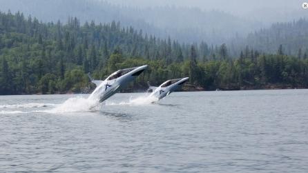 Ecco la moto d'acqua che vi trasforma in un delfino