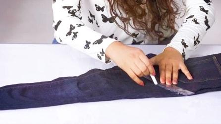Come trasformare un vecchio jeans in uno short estivo