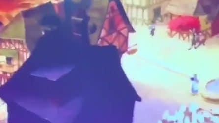 Serena Rossi canta vestendo i panni della Principessa Disney