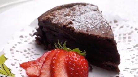 Torta al cioccolato: bastano solo due ingredienti per una torta soffice e buonissima