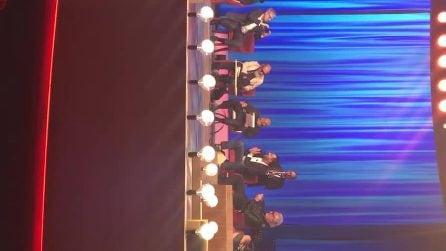 Matteo Salvini canta 'Albachiara' di Vasco Rossi al Maurizio Costanzo Show