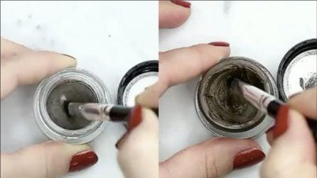 I prodotti per il make up sono ormai secchi: ecco un trucchetto per riutilizzarli