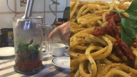 """Spaghetti alla """"crudaiola"""": un primo piatto da leccarsi i baffi"""