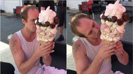 Un vero peccato di gola: il gelato gigante che fa impazzire i più golosi