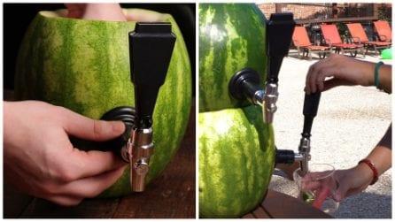 Taglia e svuota l'anguria: un'idea originale che tutti invidieranno