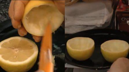 Svuota i limoni e poi li congela: un'idea davvero originale
