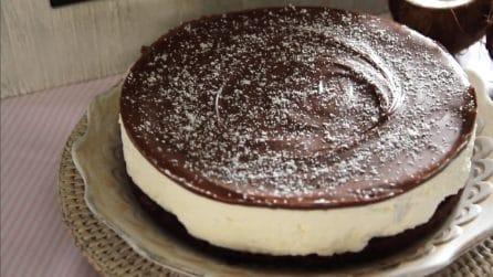 Cheesecake al cocco e crema di nocciole: la ricetta golosa