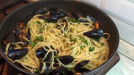 Spaghetti alle cozze: la ricetta veloce per prepararli