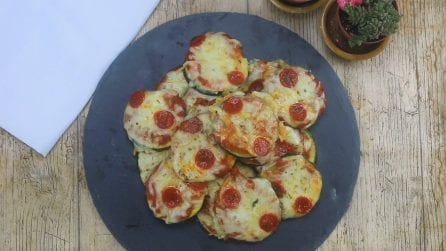 Pizzette di zucchine: l'idea sfiziosa per un aperitivo veloce