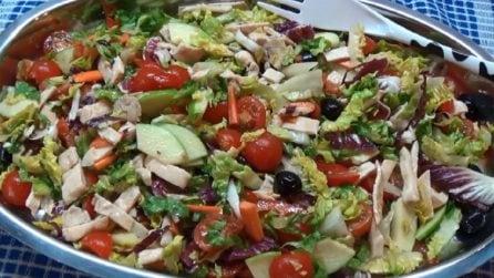 Il trucco per preparare un'insalata di pollo gustosa: la ricetta perfetta per la tua estate