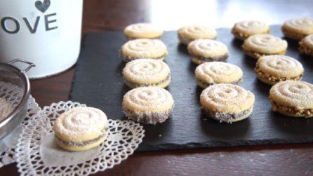 Biscotti girella con crema di nocciole: un dessert gustoso da servire ai tuoi ospiti