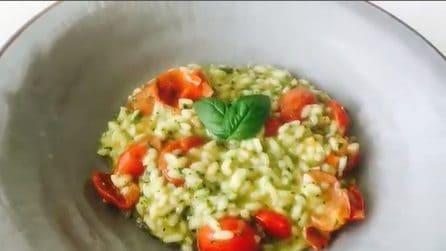 Risotto fresco ai pomodorini e basilico: un primo piatto da preparare quando hai poco tempo