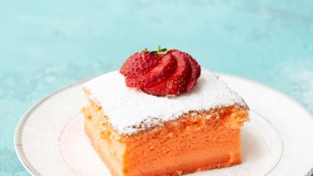 Strawberry magic cake