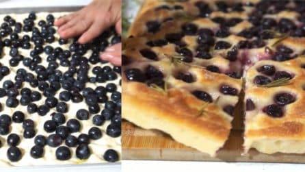 Schiacciata con l'uva: bellissima da vedere e gustosa da mangiare