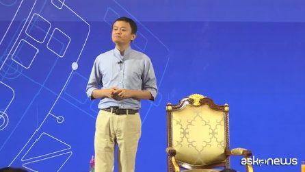 """Jack Ma dice addio ad Alibaba: """"Voglio vivere in spiaggia, non dietro una scrivania"""""""