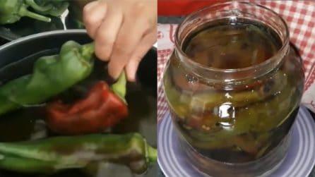Come preparare una conserva di peperoni fritti: il contorno delizioso
