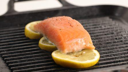 Il trucco geniale per grigliare il pesce in modo perfetto!