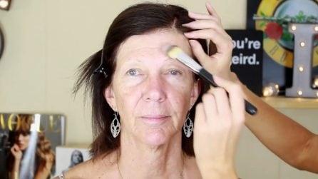 Nascondere le rughe con il make up: la routine giusta per vedersi più giovane