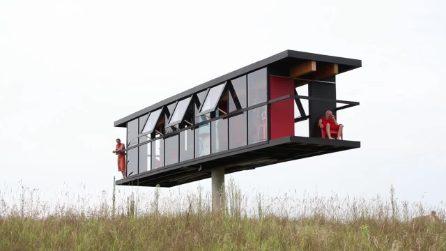 """L'incredibile """"casa-altalena"""": la struttura che gira a 360° e ondeggia nel vento"""