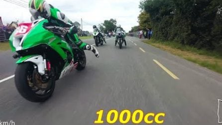 L'inquadratura è mozzafiato: la spettacolare gara tra moto 1000 cc