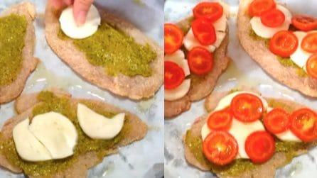 Petto di pollo alla pizzaiola con pesto: la bontà è nelle cose semplici
