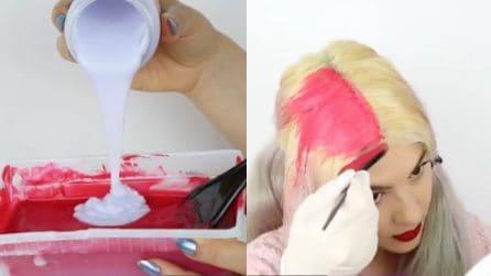 Applica una tinta rosa sui suoi capelli: il risultato è pazzesco