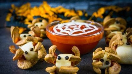 Frankfurter spiders: an easy Halloween recipe