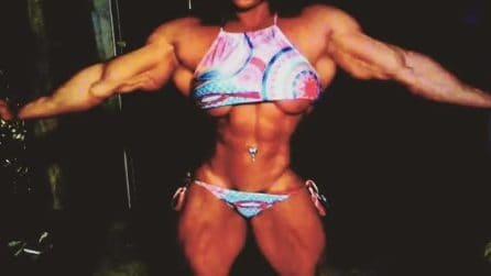 Nataliya Kuznetsova è la donna più muscolosa del mondo: sembra la versione femminile di Hulk