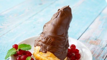 Arrotola la pasta sfoglia intorno al cono gelato: il risultato vi stupirà!