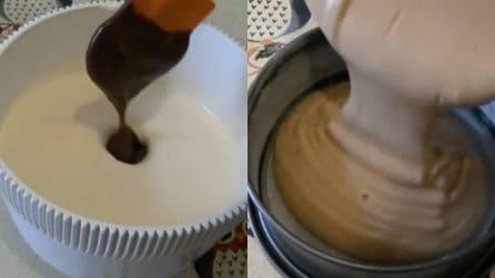 Torta magica al cioccolato: bastano solo 2 ingredienti per un dolce cremoso
