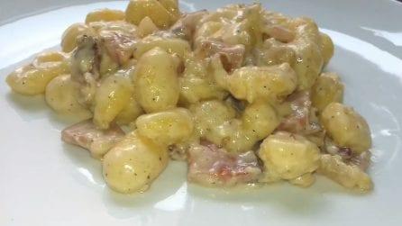 Gnocchi gorgonzola, noci e speck: un primo piatto da leccarsi i baffi