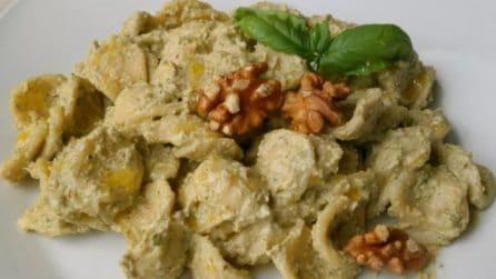 Pesto zucchine e noci: una crema dal sapore unico per condire le orecchiette