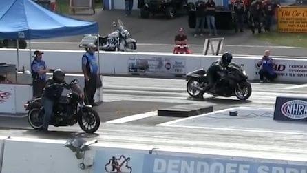 La Harley Davidson sfida la Hayabusa: la corsa a tutta velocità lascia sorpresi