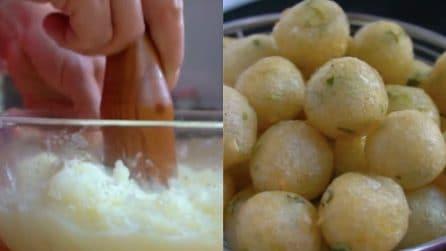 Frittelle di patate saporitissime e veloci: una tira l'altra
