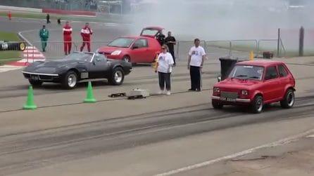 Fiat 126 faccia a faccia con la Corvette: la sfida regala delle sorprese