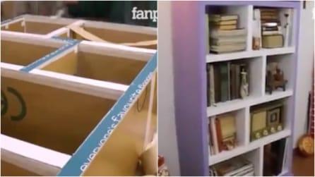 Come costruire una libreria con il cartone riciclato: un progetto davvero sorprendente
