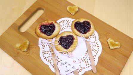 Bastoncini di frolla e marmellata: la ricetta dolce e romantica