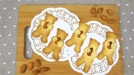 Orsetti di pasta frolla con mandorle: i biscotti pronti in pochi minuti