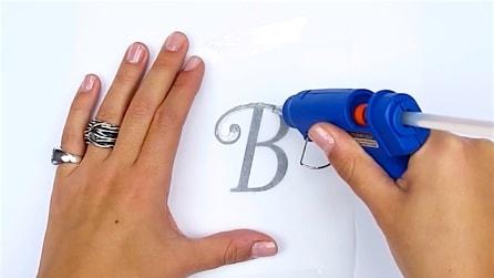 Come realizzare dei ciondoli con la colla a caldo