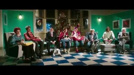 Natale a Londra - Dio salvi la Regina: il trailer HD