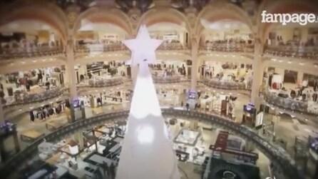 Parigi, magica per le feste: sugli Champs-Élysées inaugurate le luminarie natalizie