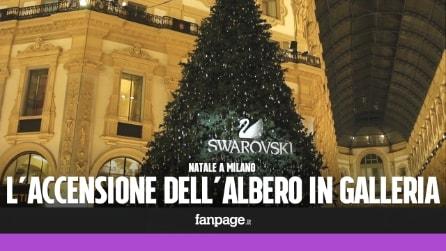 Natale a Milano: in centinaia per l'accensione dell'albero in Galleria Vittorio Emanuele