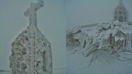 Dal gelo nasce un'opera d'arte: la Croce di Pratomagno diventa una scultura di ghiaccio