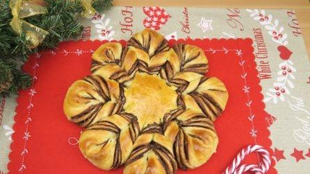 Fiore di panbrioche soffice: perfetto per la colazione di Natale!