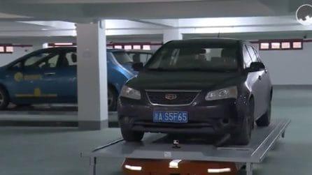 Parcheggiare rapidamente un gran numero di auto: in Cina ci pensano i robot