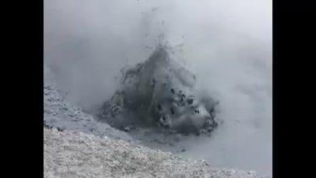 Yellowstone, l'affascinante spettacolo delle piscine di fango bollente