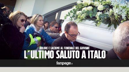 """Vasto, dolore e lacrime al funerale di Italo d'Elisa: """"Ci mancherai"""""""
