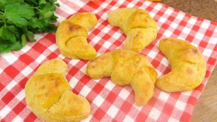 Cornetti salati di patate e zucca: il loro cuore di formaggio è delizioso!