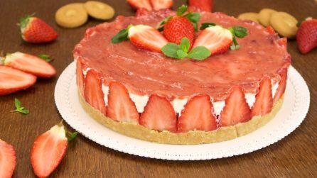Cheesecake alle fragole: la ricetta facile senza cottura
